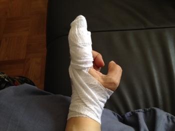 包帯指怪我.JPG